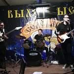 Минувшей ночью в Старой Руссе состоялся очередной музыкальный фестиваль «Рок-ночь в «СолеварЪ»