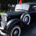 В Великом Новгороде состоялся фестиваль уникальных ретроавтомобилей