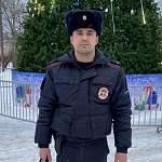 Жители Санкт-Петербурга поблагодарили чудовского участкового за решение конфликта на даче