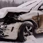 На Новгородскую область обрушился снегопад. Водителей просят быть осторожными