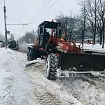 В Великом Новгороде идут активные работы по уборке снега