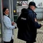 В пригороде Великого Новгорода задержали лжемедика и ее подельницу