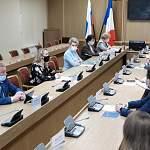 На заседании финансового совета обсудили развитие сервиса платежей с помощью QR-кодов в Новгородской области