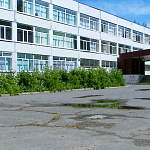 «Акрон» выделил 370 тысяч рублей на капитальный ремонт актового зала школы №16 в Деревяницах