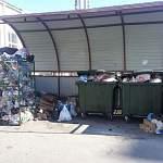 В микрорайоне «Ивушки» в Великом Новгороде ликвидируют контейнеры для раздельного сбора вторсырья
